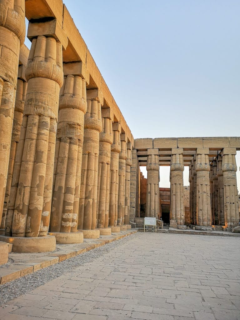 best egypt travel guide one of the most beautiful temples, the temple of Luxor