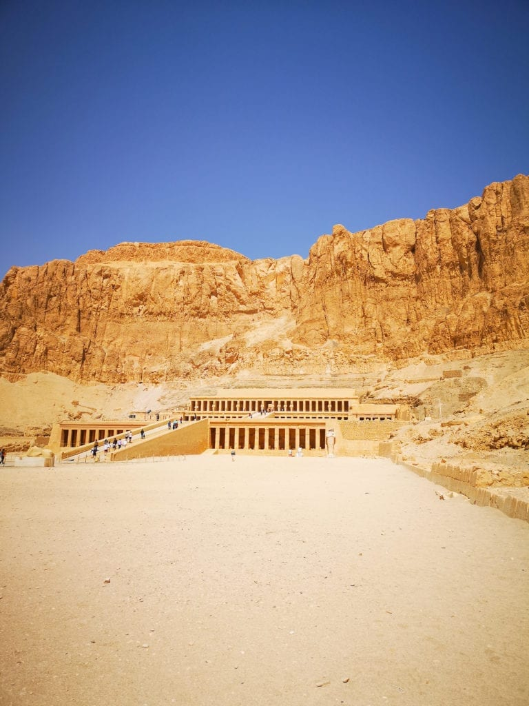 best egypt travel guide the temple of Hatshepsut must visit on the way to the valley of the kings